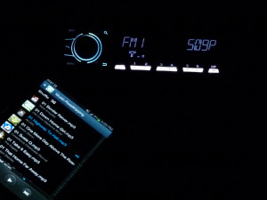 Pioneer MVH-X560BT-phone-illumination