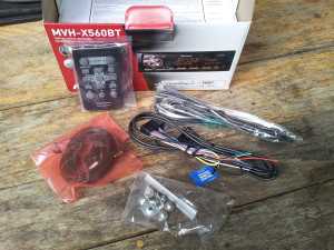 Pioneer MVH-X560BT-whats-in-box